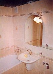 3 najčastejšie otázniky v kúpeľni: Vlhkosť, osvetlenie, zníženie stropu!