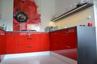 Staviame praktickú, krásnu a modernú kuchyňu
