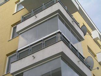 Zasklenie balkóna. Ktorý systém je ten pravý pre vás?