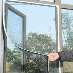 Sieťky na okná ochránia pred hmyzom aj peľom